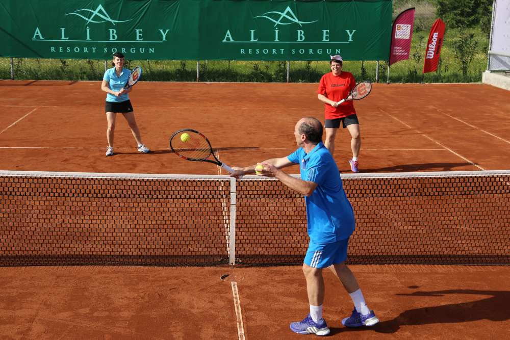 "Marcelo Matteucci ""staatlich geprüfter Tennislehrer"""